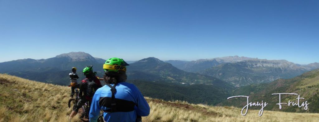 Panorama 2 1024x391 - Septiembre, mi primera Integral de este mes ... Valle de Benasque.