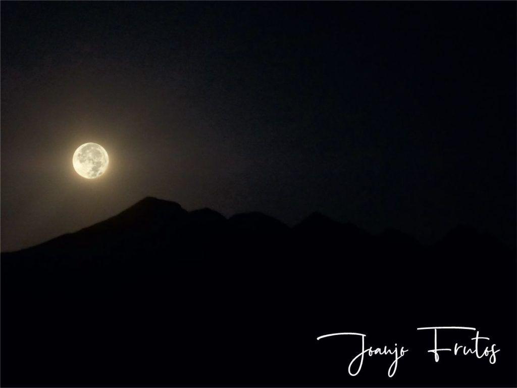 LUNA 4 2 1024x768 - Madrugas y te encuentras la Luna.