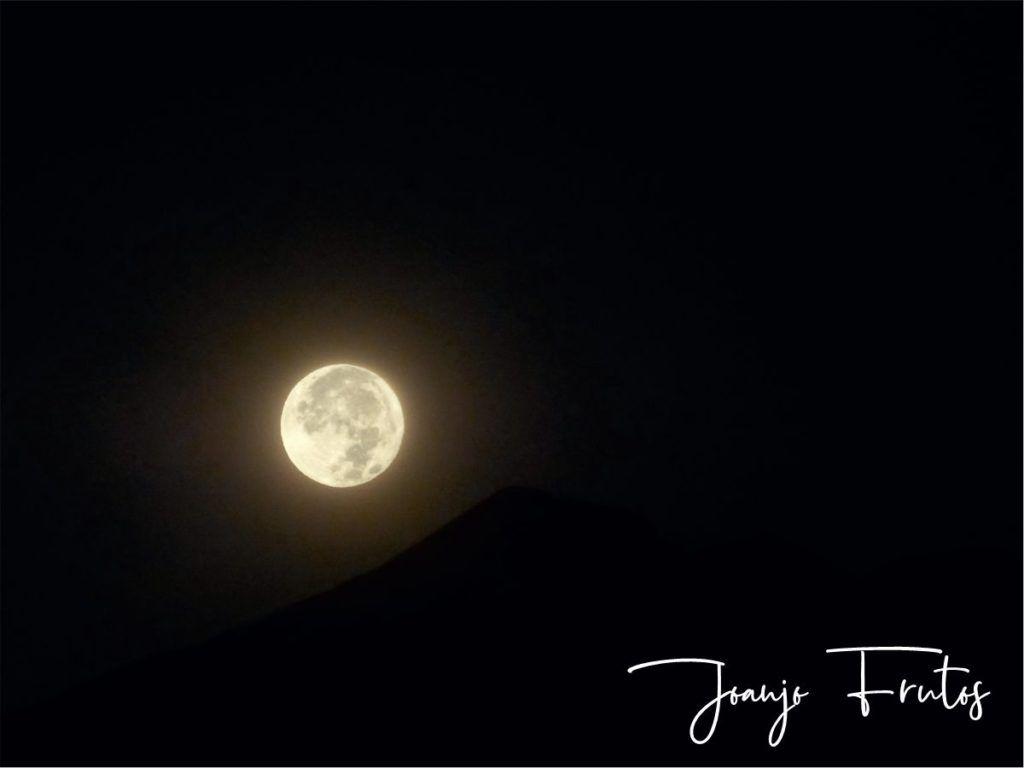 LUNA 8 2 1024x768 - Madrugas y te encuentras la Luna.
