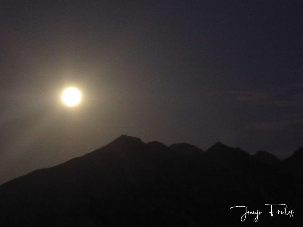 P1290749 1 1024x768 - Madrugas y te encuentras la Luna.