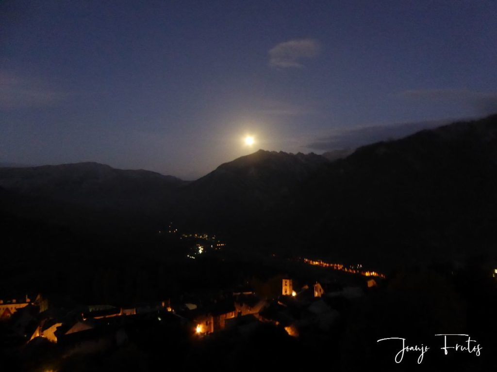 P1290750 1 1024x768 - Madrugas y te encuentras la Luna.