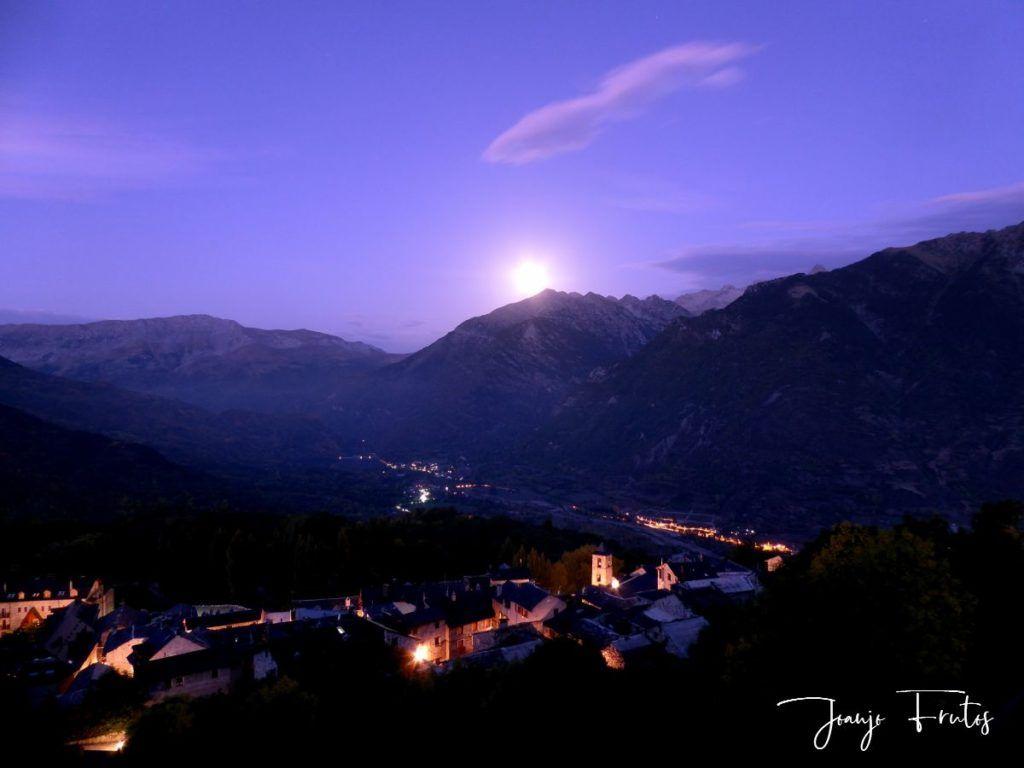 P1290754 1 1024x768 - Madrugas y te encuentras la Luna.