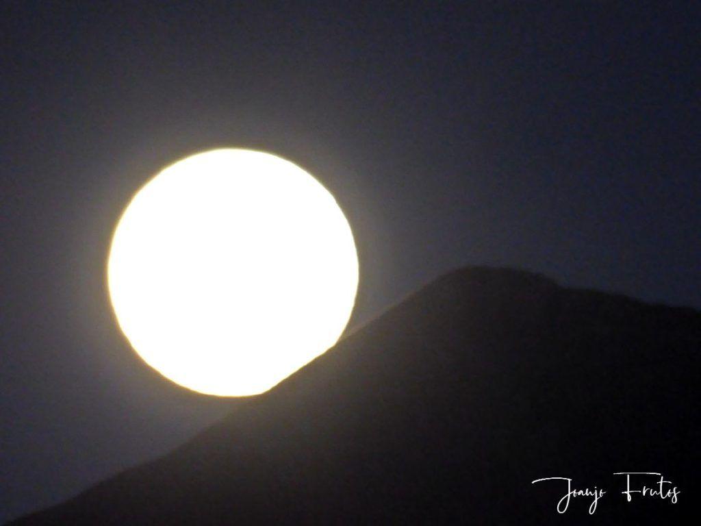 P1290769 1 1024x768 - Madrugas y te encuentras la Luna.
