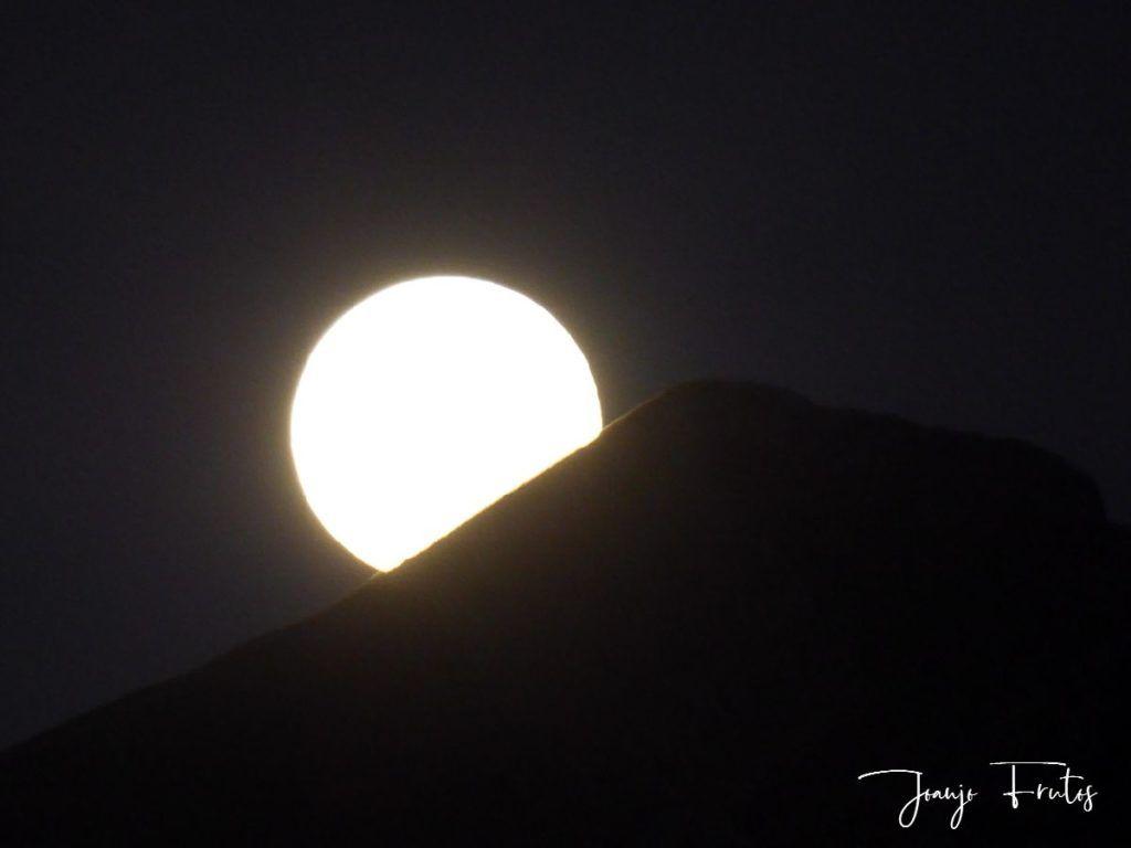 P1290771 1 1024x768 - Madrugas y te encuentras la Luna.