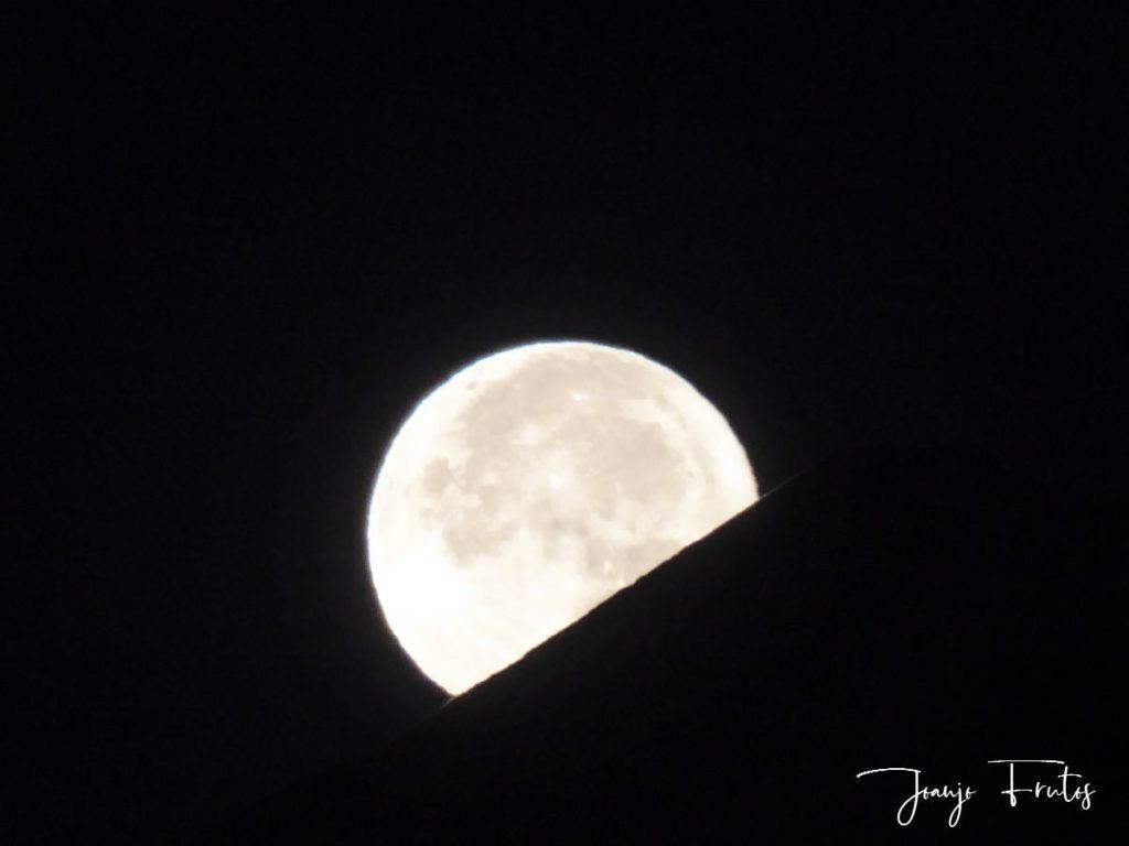 P1290772 1 1024x768 - Madrugas y te encuentras la Luna.