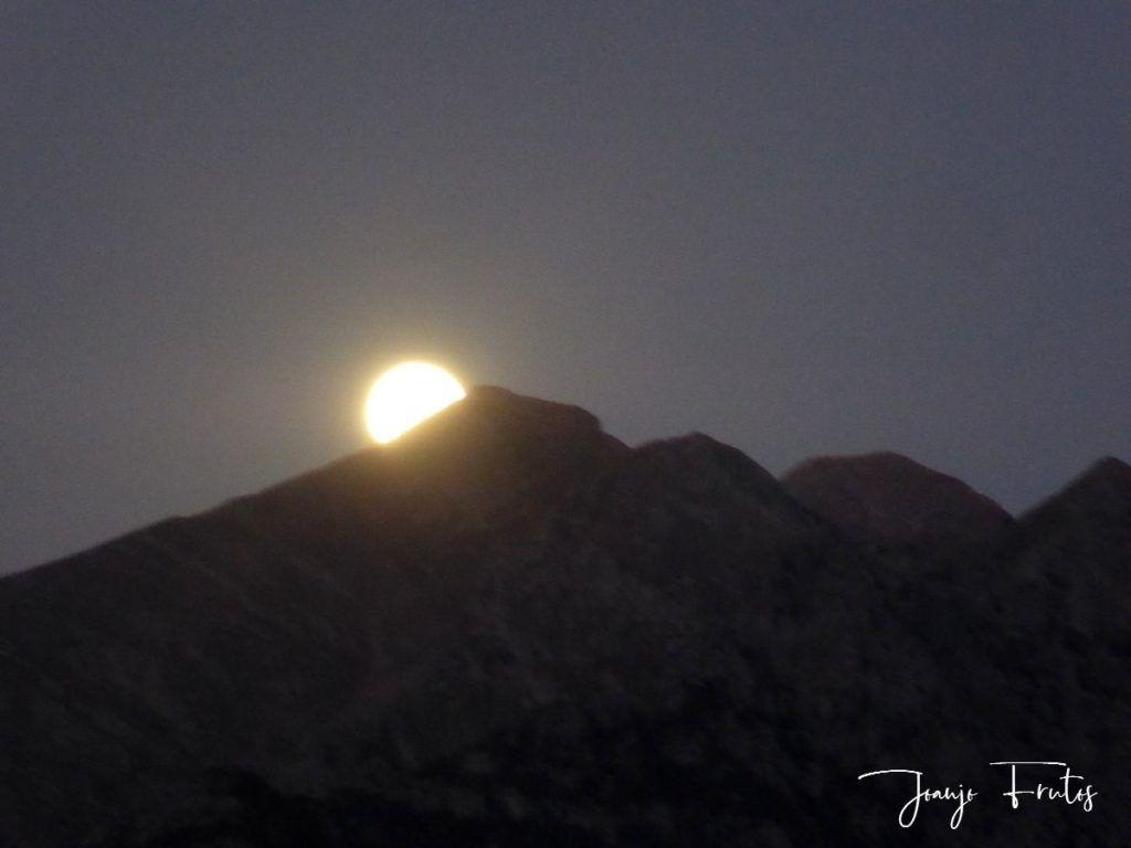 P1290773 1 1024x768 - Madrugas y te encuentras la Luna.