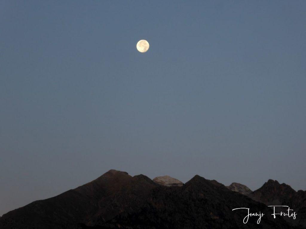 P1290797 1024x768 - Luna y nieve en el ValledeBenasque.