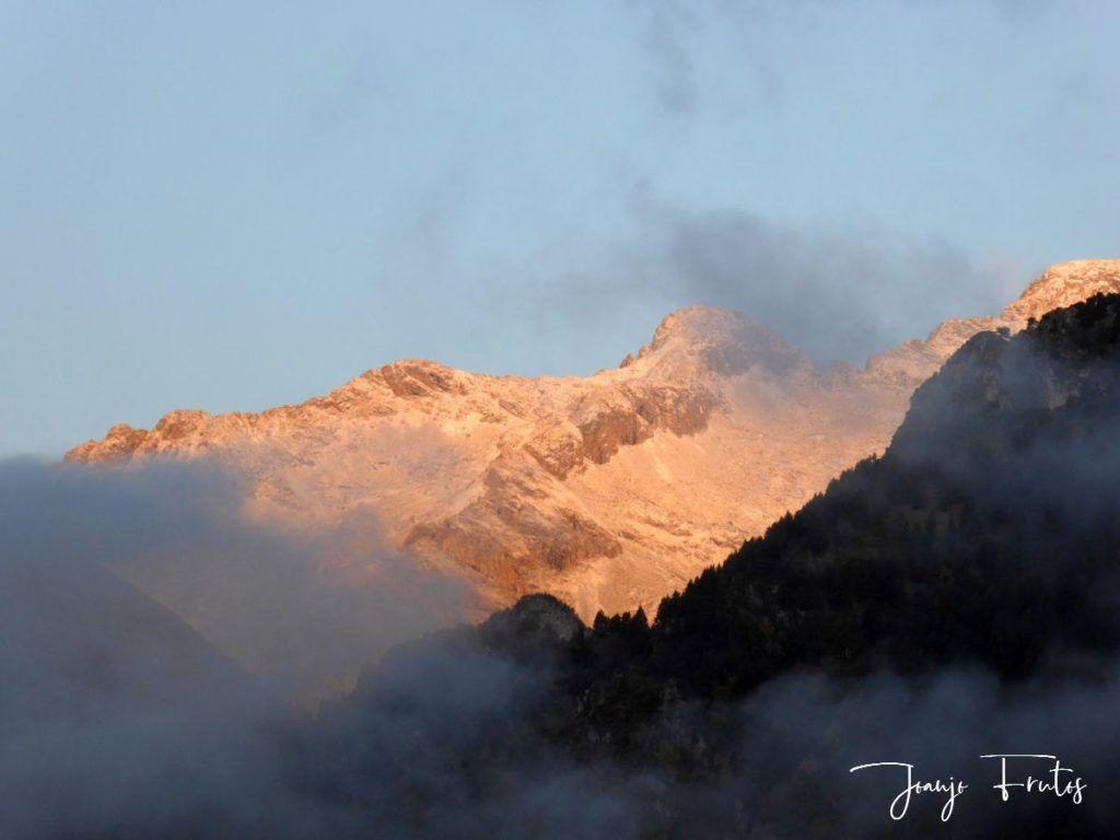 P1290807 1024x768 - Luna y nieve en el ValledeBenasque.