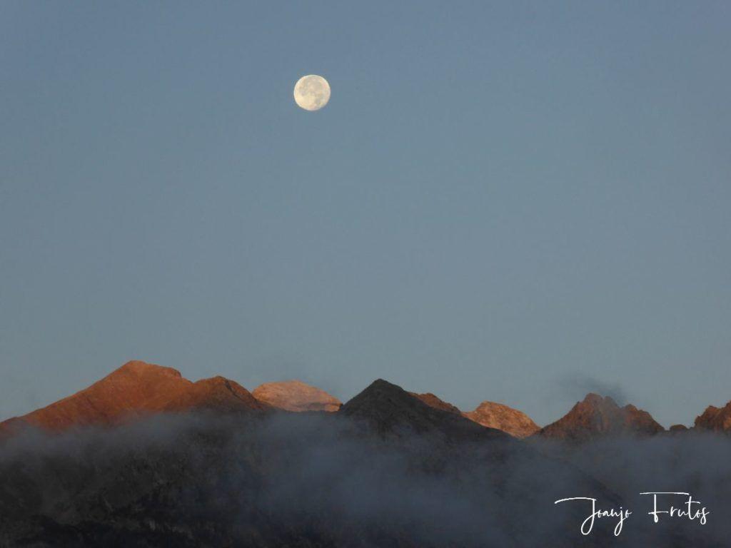 P1290808 1024x768 - Luna y nieve en el ValledeBenasque.