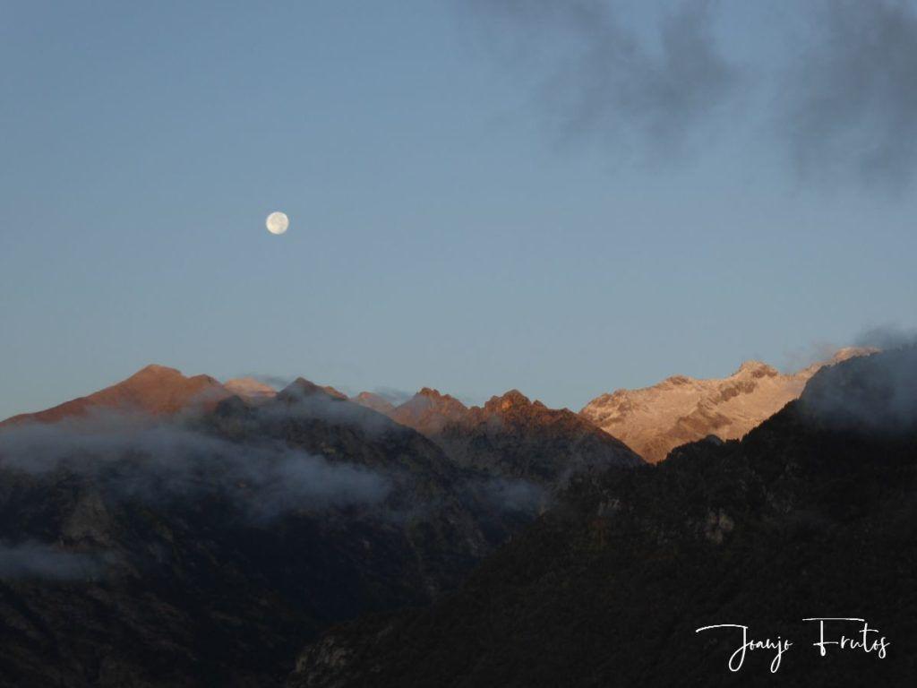 P1290815 1024x768 - Luna y nieve en el ValledeBenasque.