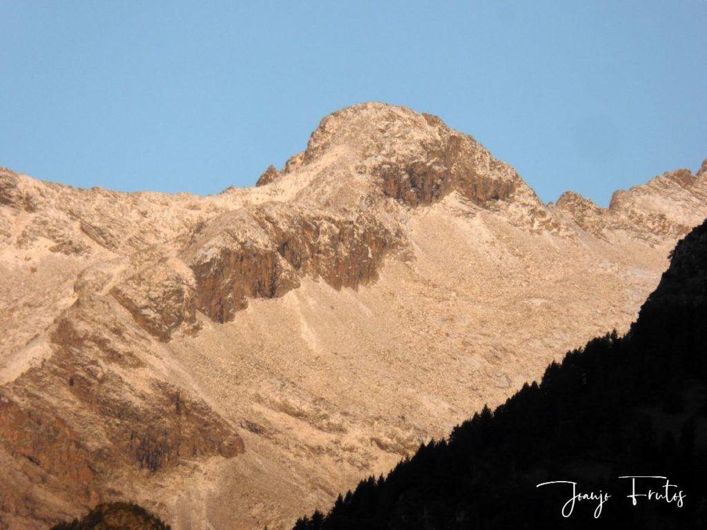 P1290818 1024x768 - Luna y nieve en el ValledeBenasque.