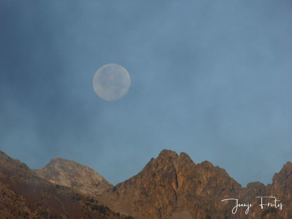 P1290821 1024x768 - Luna y nieve en el ValledeBenasque.