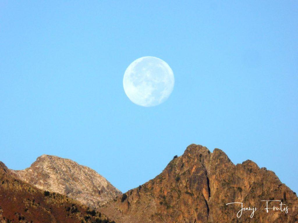 P1290827 1024x768 - Luna y nieve en el ValledeBenasque.