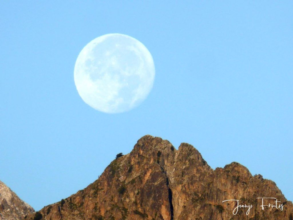 P1290831 1024x768 - Luna y nieve en el ValledeBenasque.