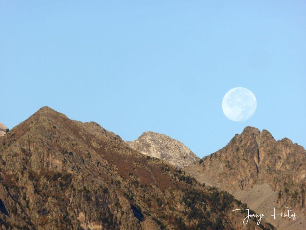 P1290833 1024x768 - Luna y nieve en el ValledeBenasque.