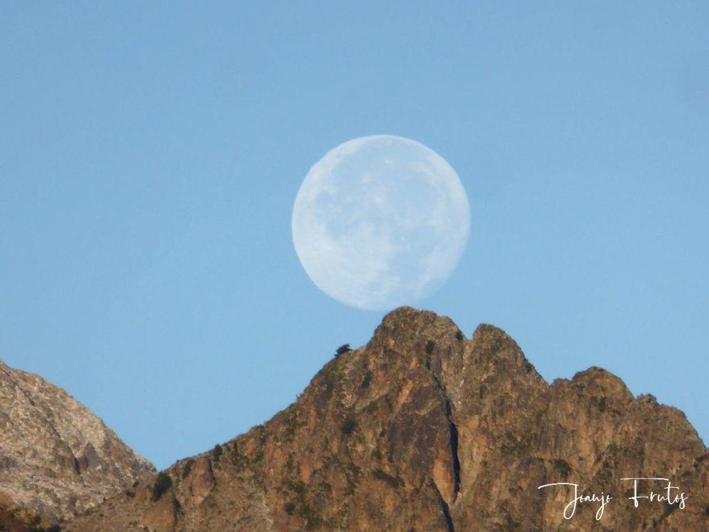 P1290834 1024x768 - Luna y nieve en el ValledeBenasque.