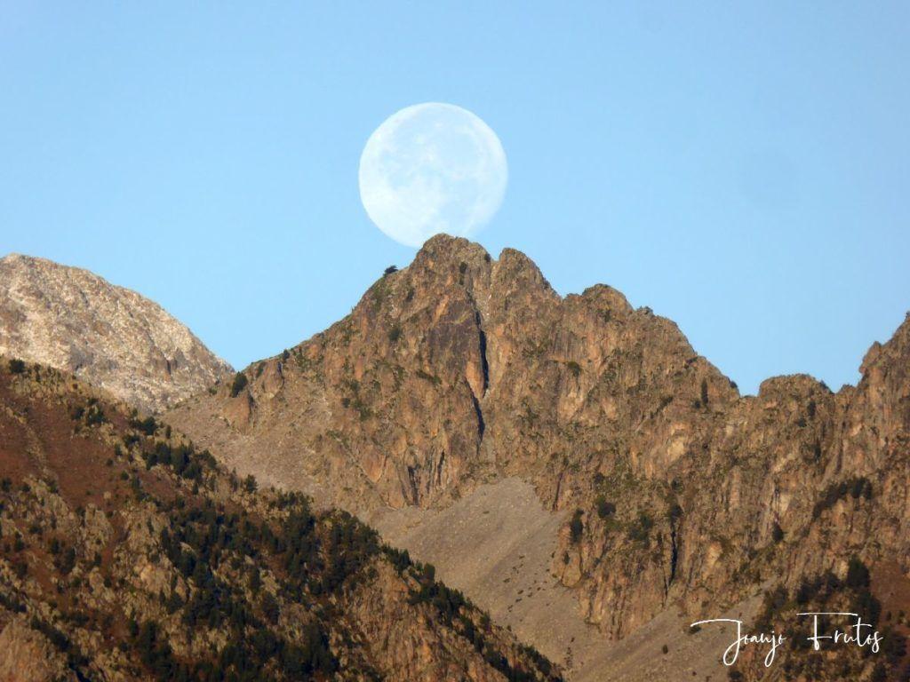 P1290836 1024x768 - Luna y nieve en el ValledeBenasque.