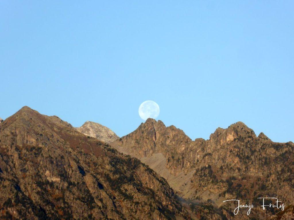 P1290837 1024x768 - Luna y nieve en el ValledeBenasque.