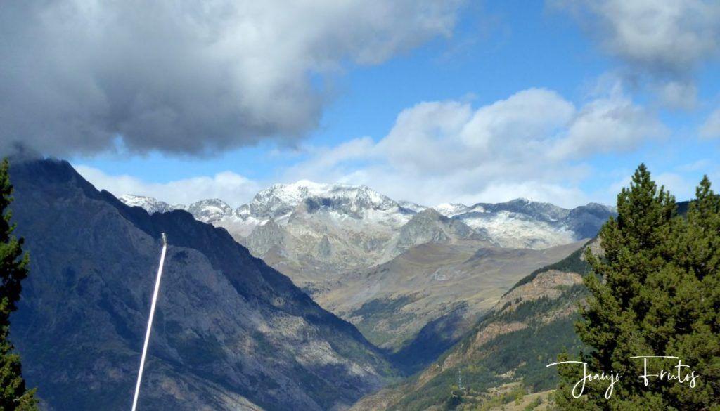 P1290844 1024x585 - Luna y nieve en el ValledeBenasque.