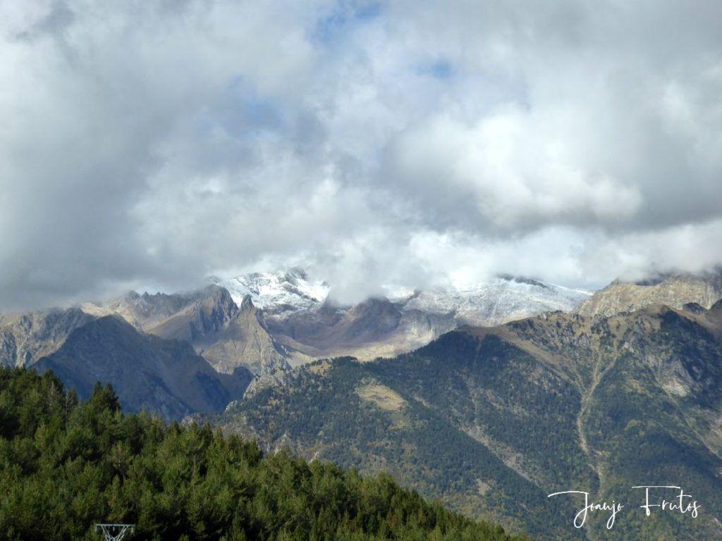P1290847 1024x768 - Luna y nieve en el ValledeBenasque.