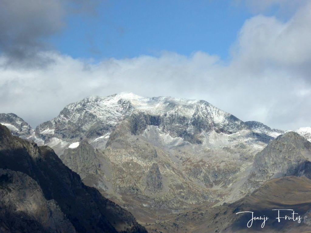 P1290848 1024x768 - Luna y nieve en el ValledeBenasque.