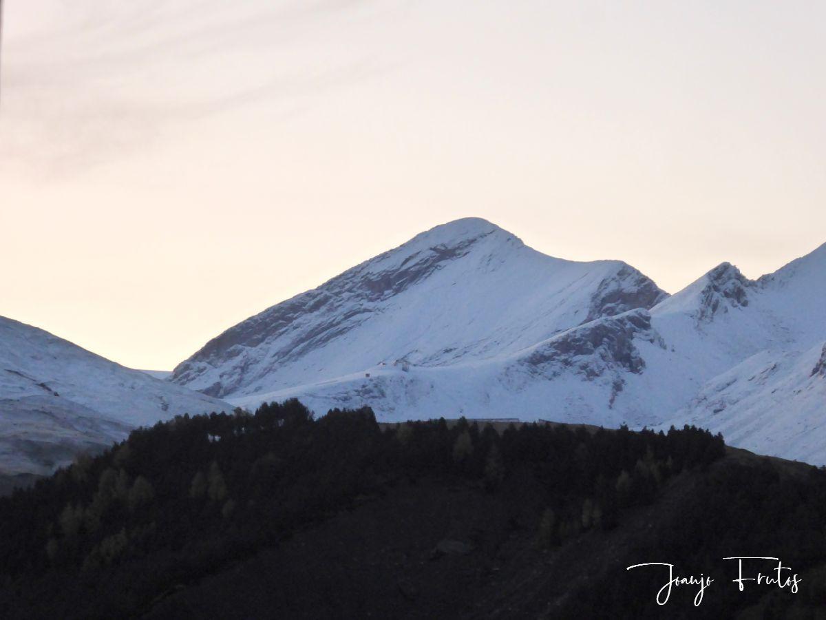 P1300021 - Y pasaron las nevadas en el Valle de Benasque.
