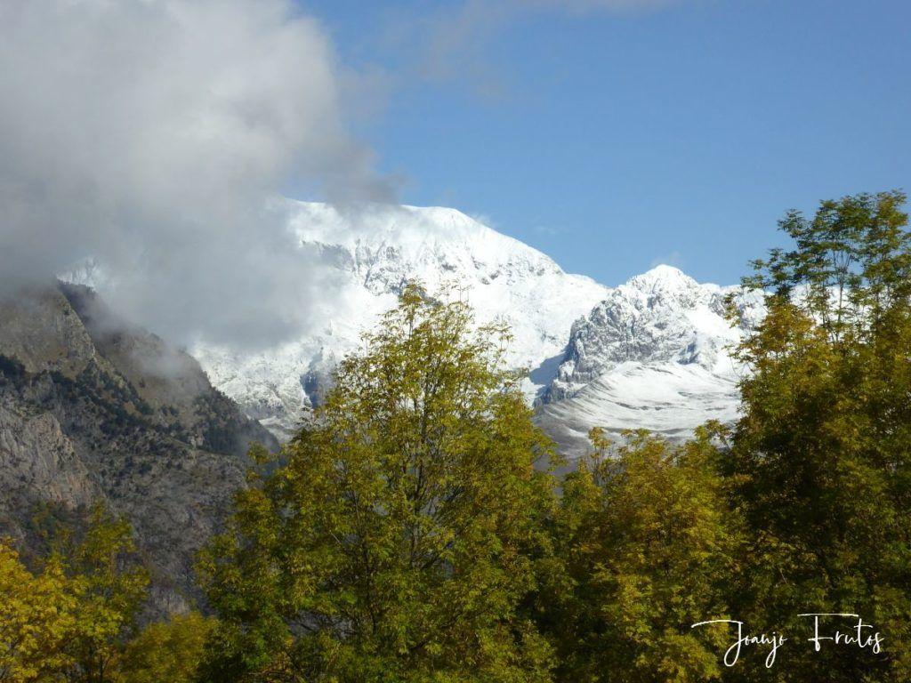 P1300035 1024x768 - Y pasaron las nevadas en el Valle de Benasque.