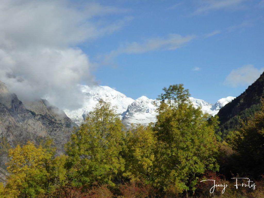 P1300036 1024x768 - Y pasaron las nevadas en el Valle de Benasque.