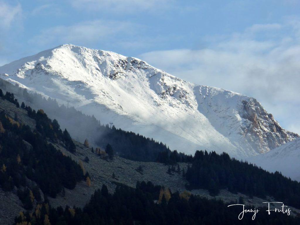P1300046 1024x768 - Y pasaron las nevadas en el Valle de Benasque.