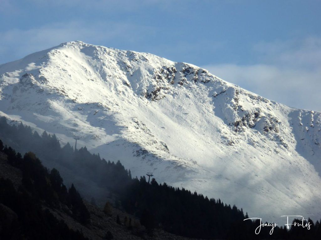P1300048 1024x768 - Y pasaron las nevadas en el Valle de Benasque.