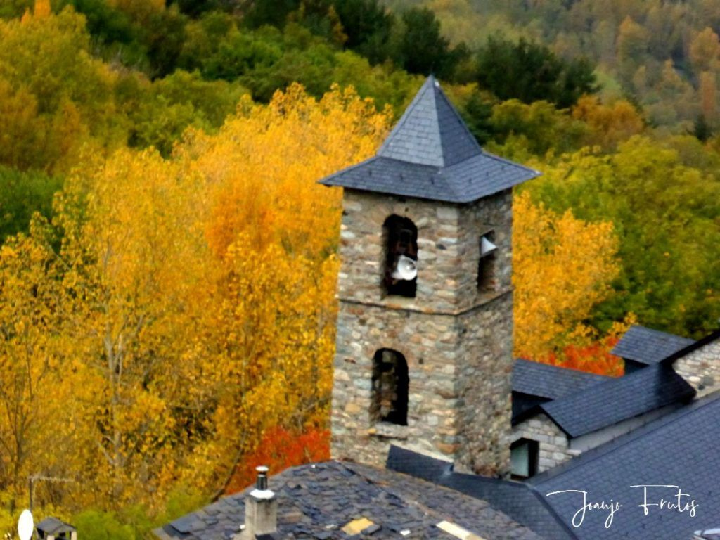 P1300130 1024x768 - Despedimos octubre en colores desde Cerler.