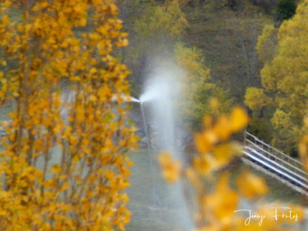 P1300136 1024x768 - Despedimos octubre en colores desde Cerler.
