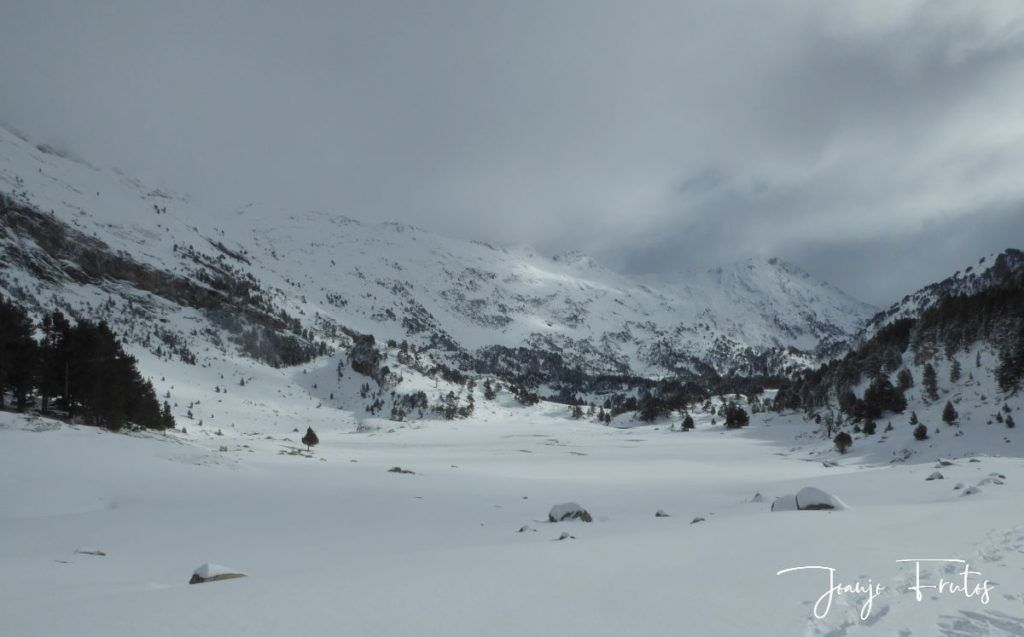 P1300424 1024x637 - Votamos esquiar en familia, Valle de Benasque.