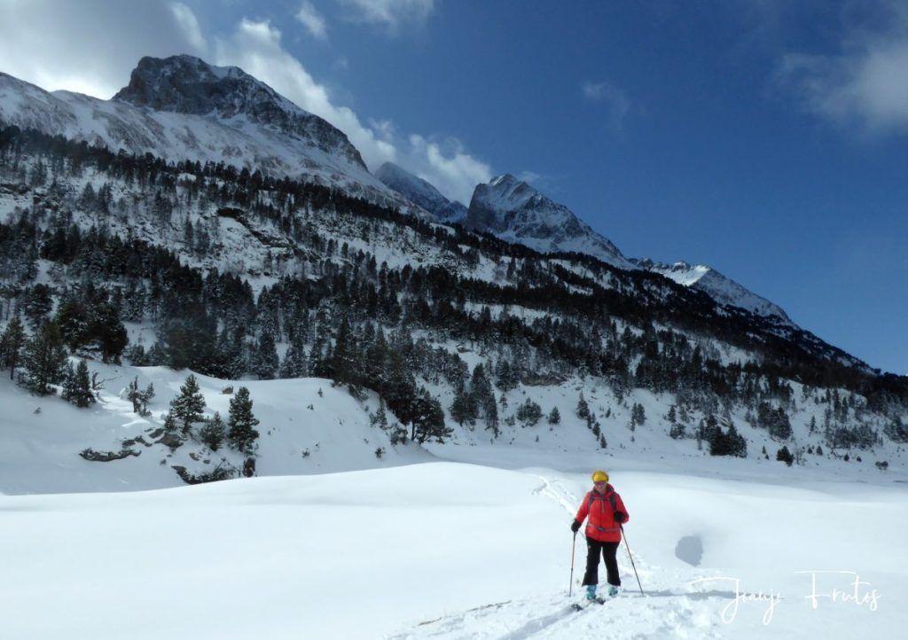 P1300436 1024x722 - Votamos esquiar en familia, Valle de Benasque.