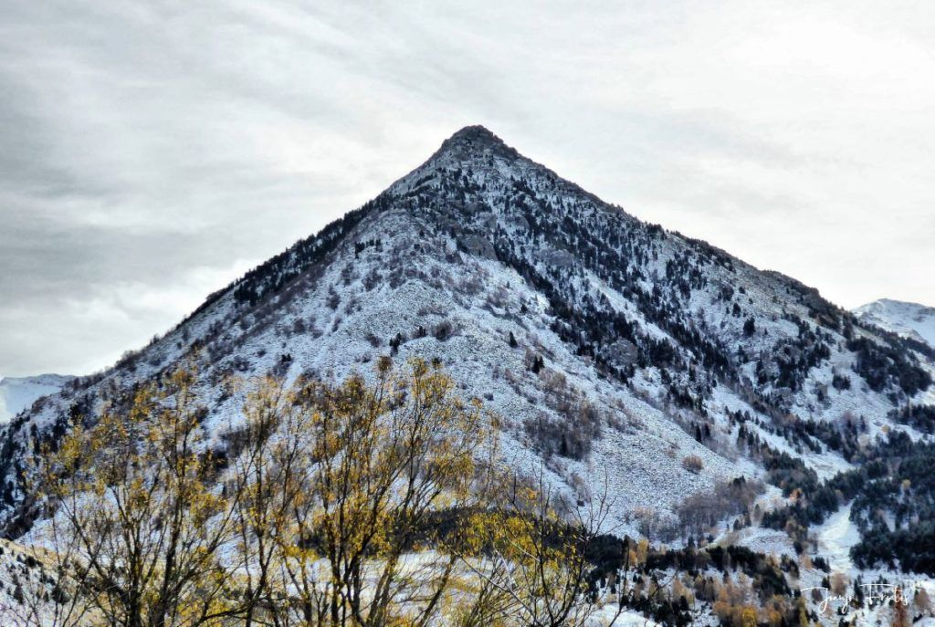 P1300468 fhdr 1024x687 - Modo ON, temporada de nieve en el Valle de Benasque.