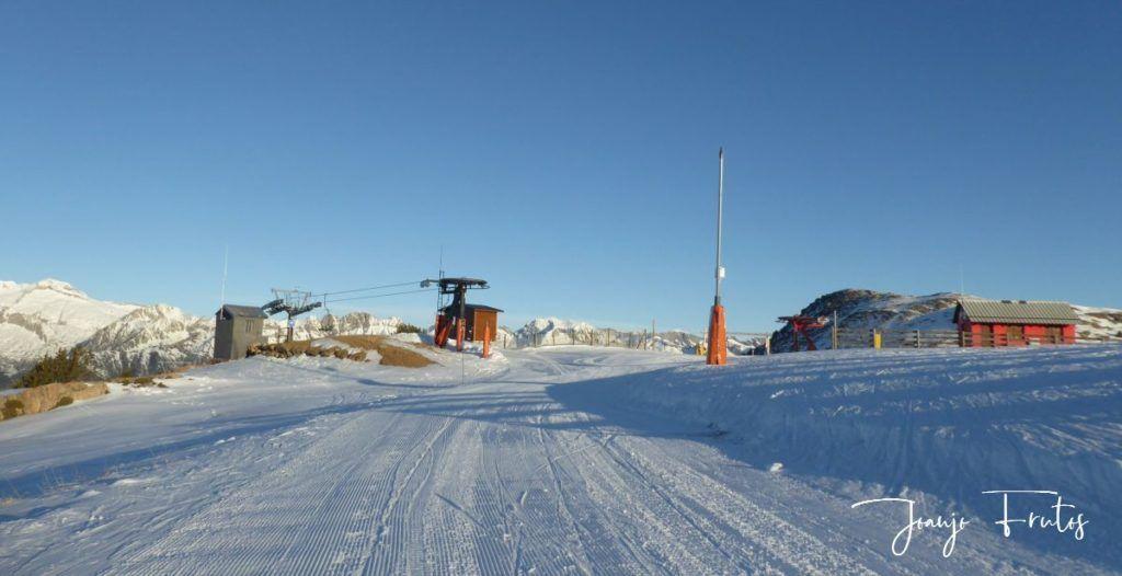 P1310074 1024x526 - El Puente de la nieve en Cerler.
