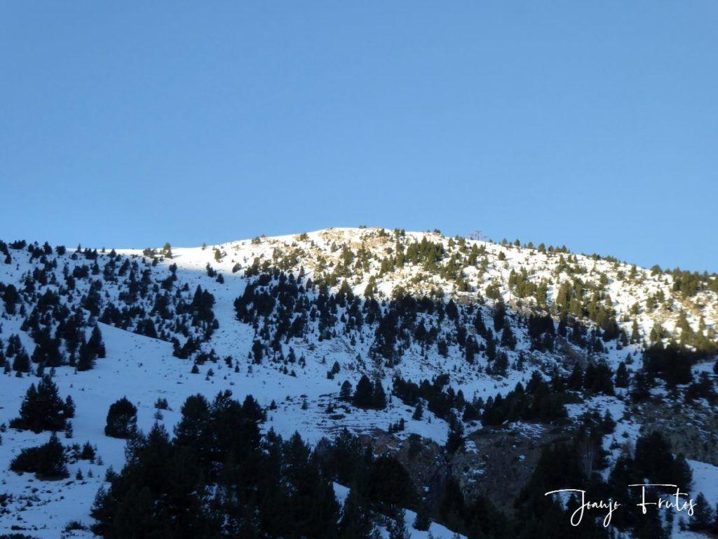 P1310084 1024x768 - El Puente de la nieve en Cerler.