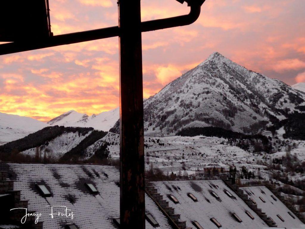 P1310131 1024x768 - Empieza lo bueno, nieva en Cerler.