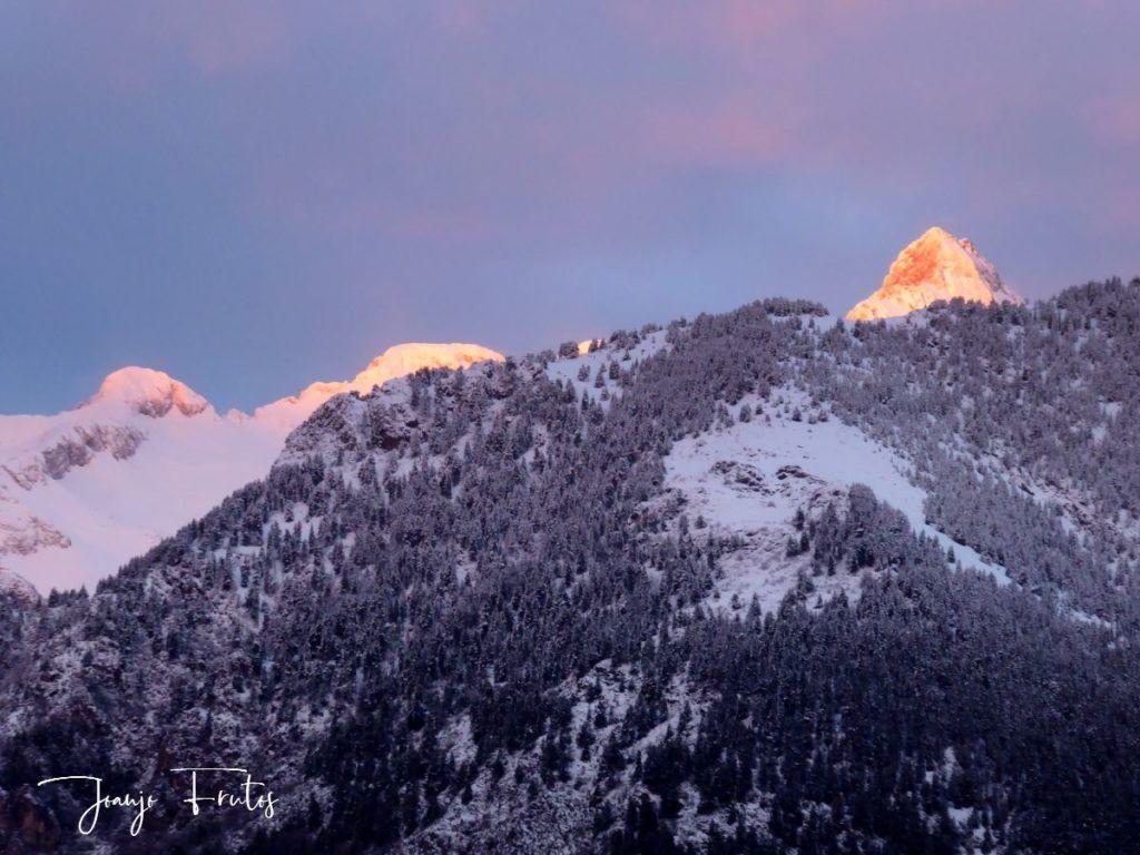 P1310135 1024x768 - Empieza lo bueno, nieva en Cerler.