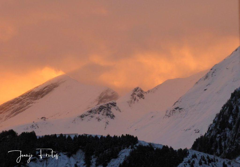 P1310139 1024x713 - Empieza lo bueno, nieva en Cerler.