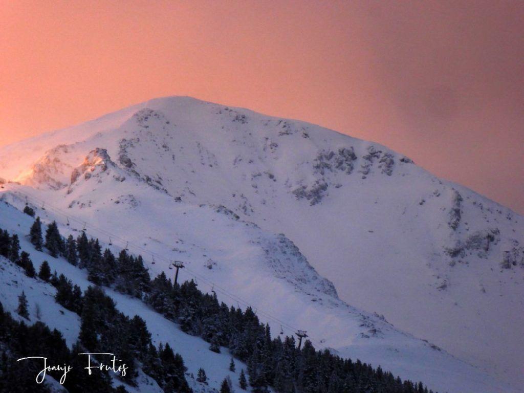P1310140 1024x768 - Empieza lo bueno, nieva en Cerler.