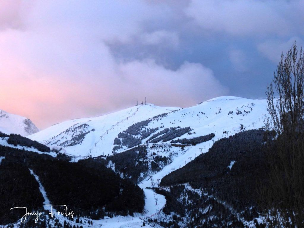 P1310141 1024x768 - Empieza lo bueno, nieva en Cerler.