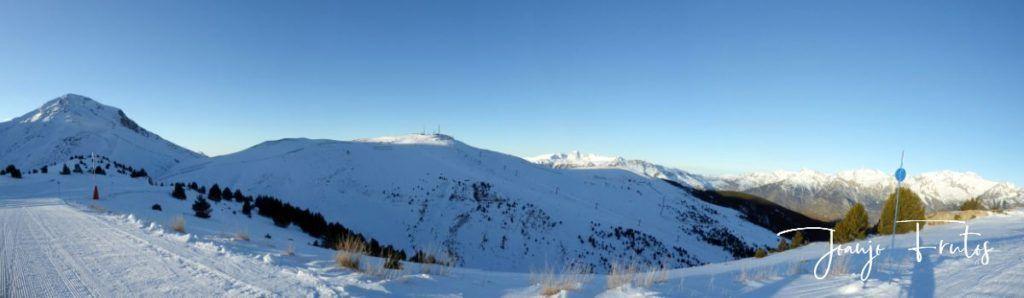 Panorama 1 1024x298 - El Puente de la nieve en Cerler.
