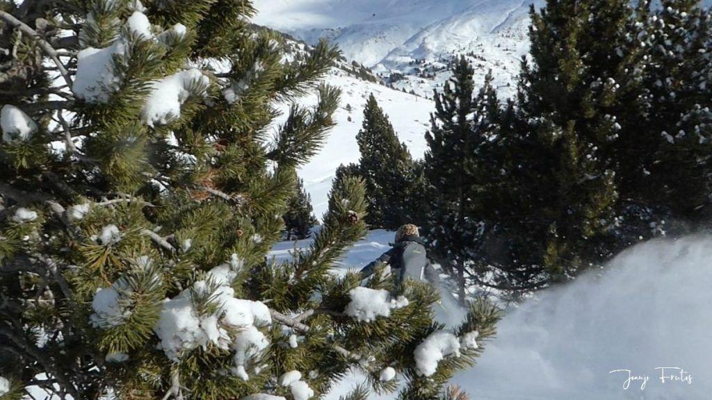 Captura de pantalla 2020 01 19 a las 15.16.48 1024x576 - Y llegó la primera nevada del 2020 en Cerler (Valle de Benasque)