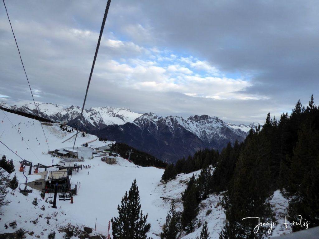 P1310335 1024x768 - Y nevó, poco pero seguiremos esperando en Cerler.