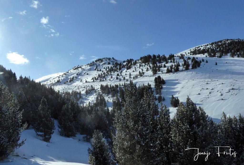 P1310352 1024x692 - Y llegó la primera nevada del 2020 en Cerler (Valle de Benasque)