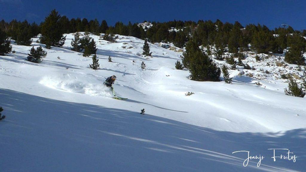 P1310370 1024x576 - Y llegó la primera nevada del 2020 en Cerler (Valle de Benasque)