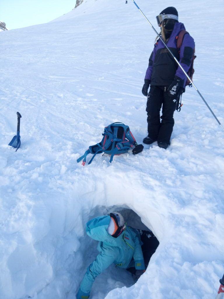 IMG 20200205 124033 768x1024 - Curso formación rescate en caso de alud de nieve.