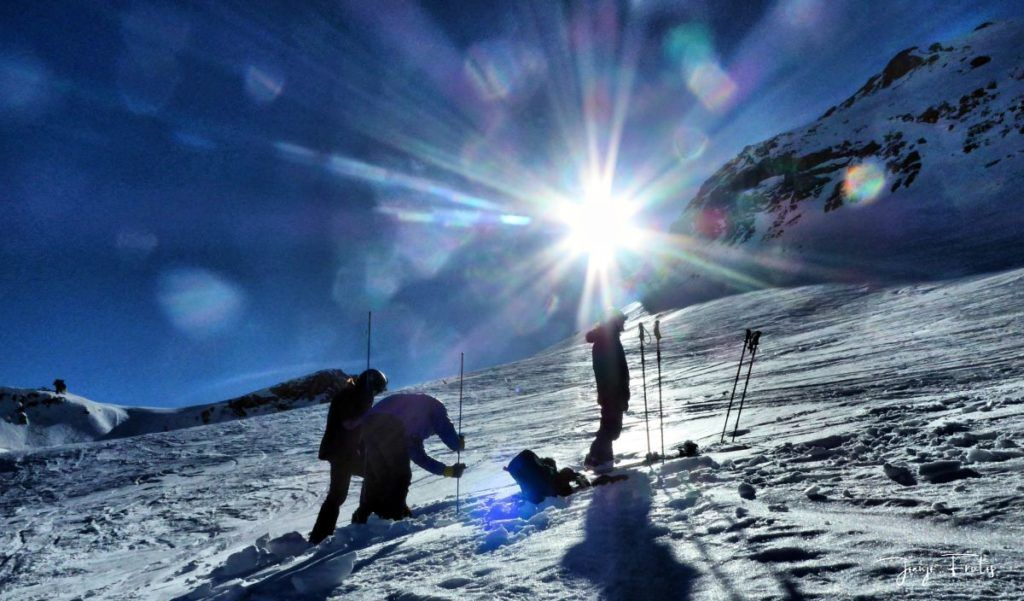 P1310668 fhdr 001 1024x601 - Curso formación rescate en caso de alud de nieve.