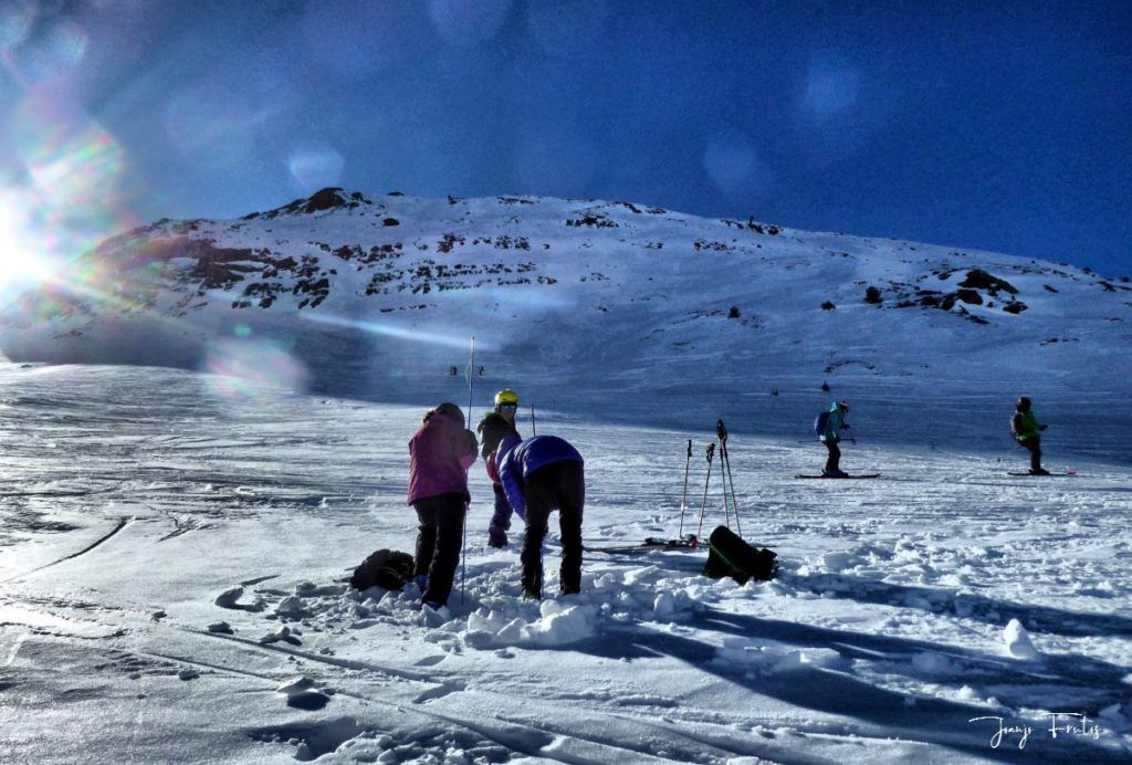 P1310669 fhdr 001 1024x692 - Curso formación rescate en caso de alud de nieve.